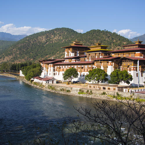 Kloster am Fluss in Punakha