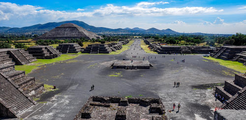 Blick über Teotihuacán